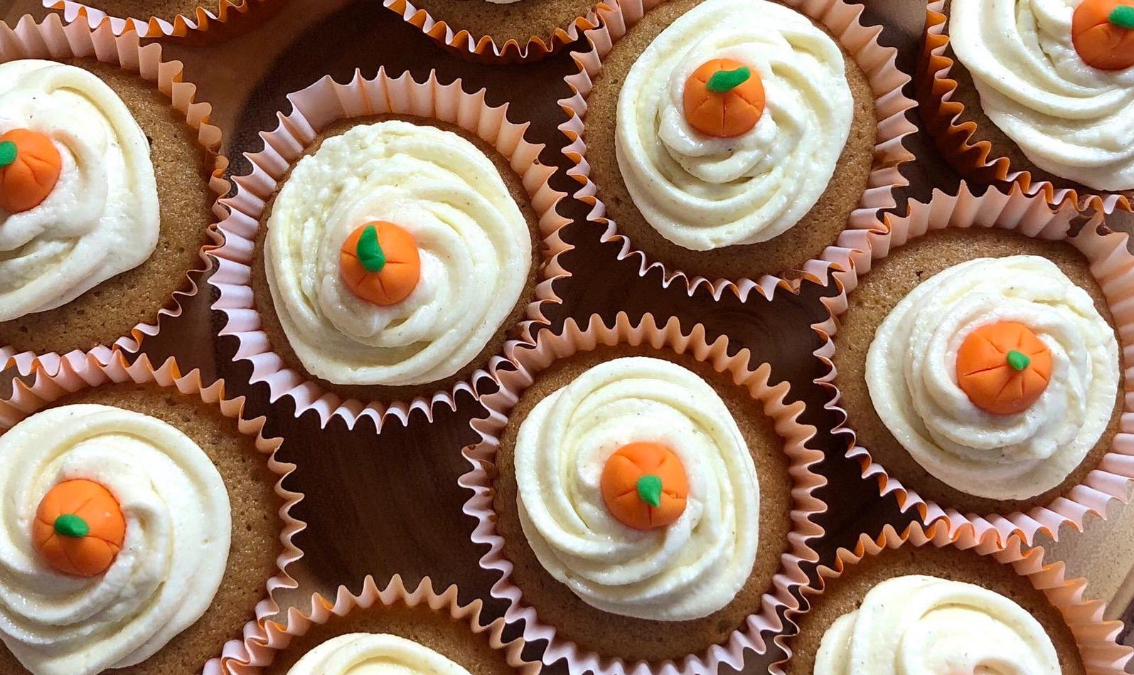Herfstige pompoen cupcakes